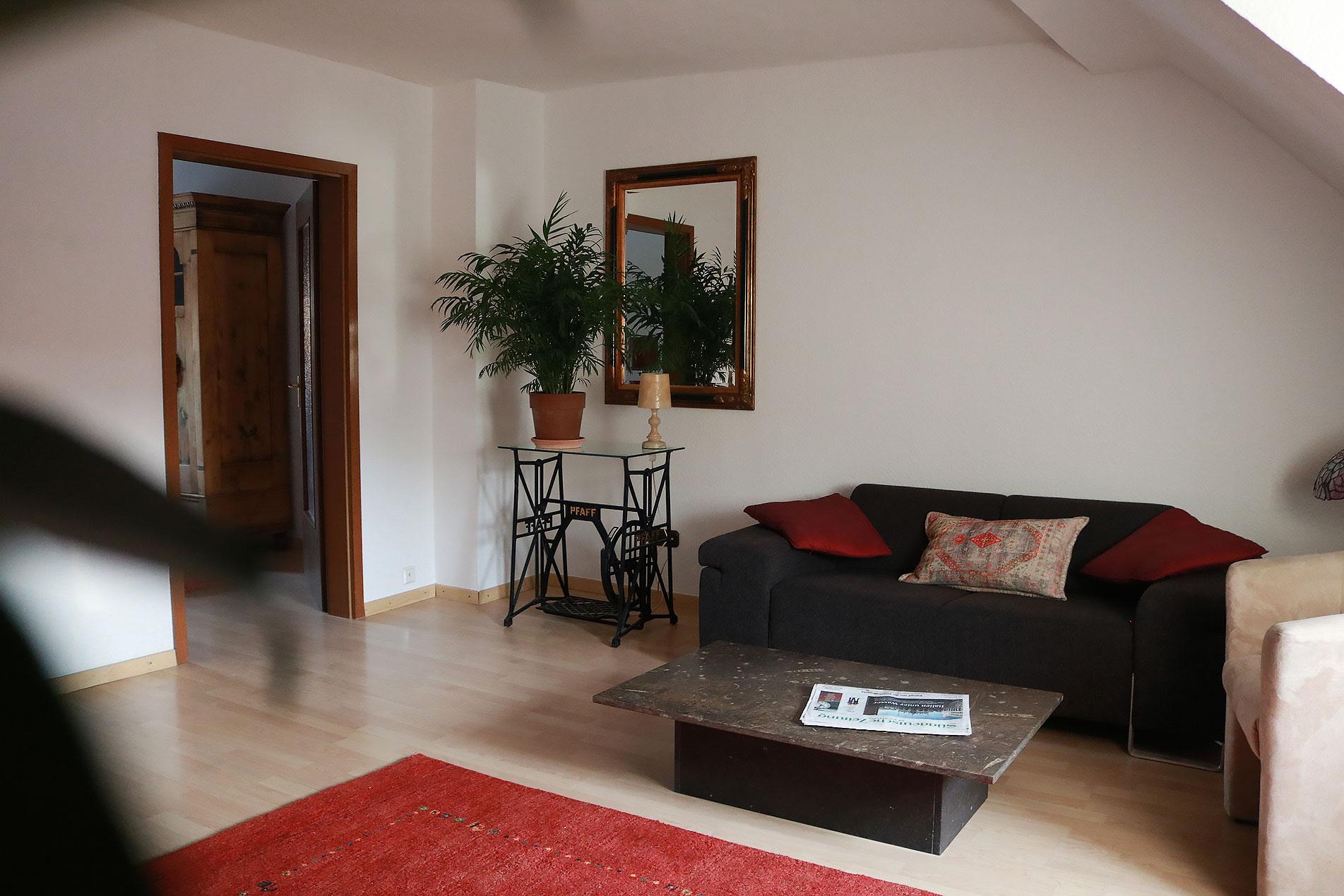 Wohnzimmer mit Sitzbereich