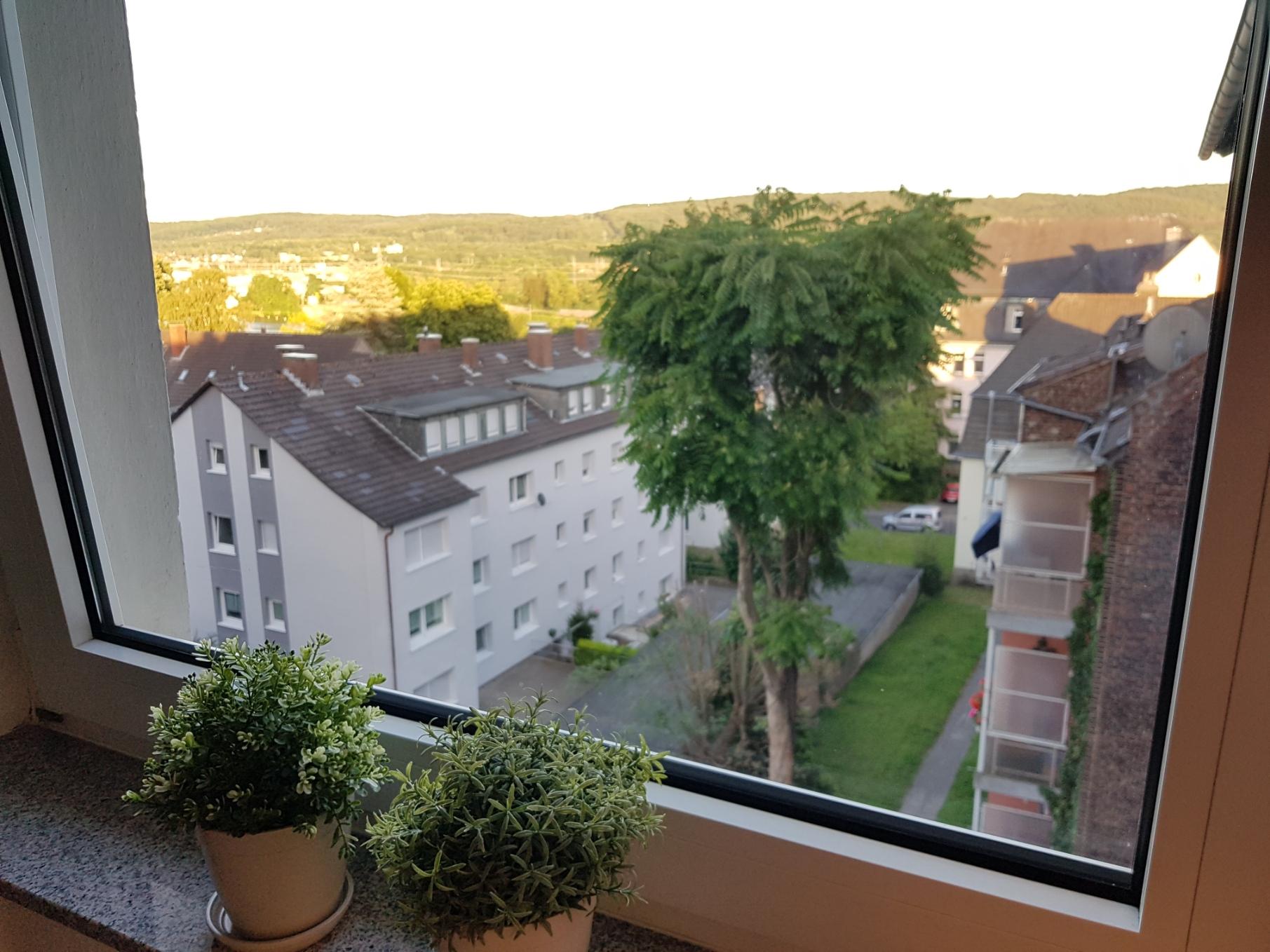 Apartment Wetter Ausblick aus dem Küchenfenster